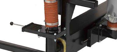 Hopper isolation valve